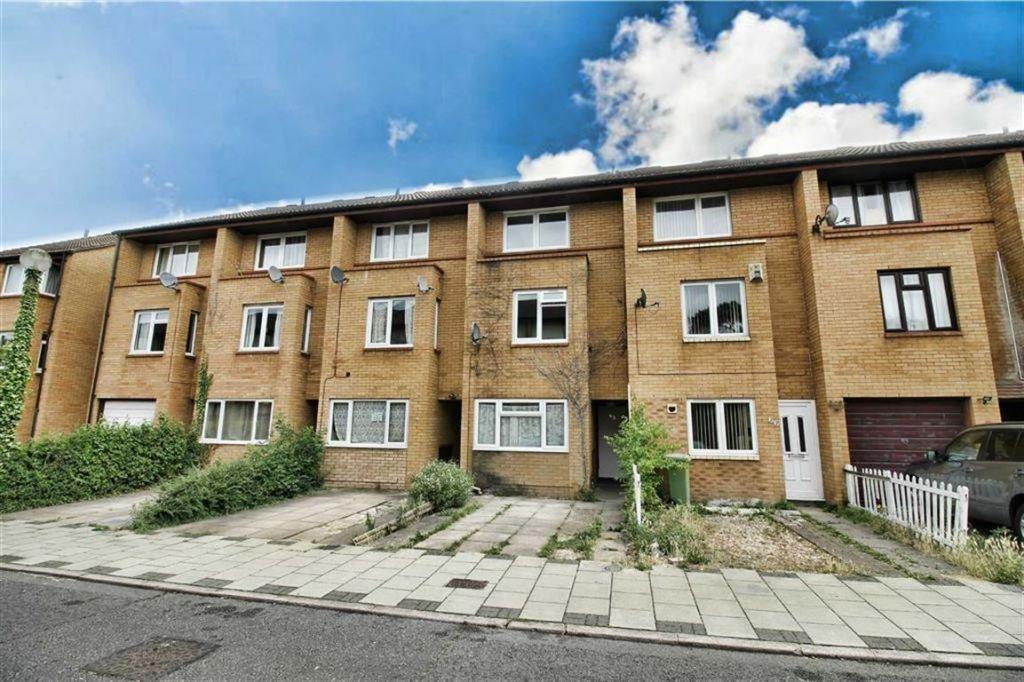 Shackleton Place, Oldbrook, Milton Keynes, MK6