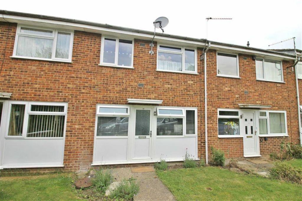 Brookside Close, Old Stratford, Milton Keynes, MK19