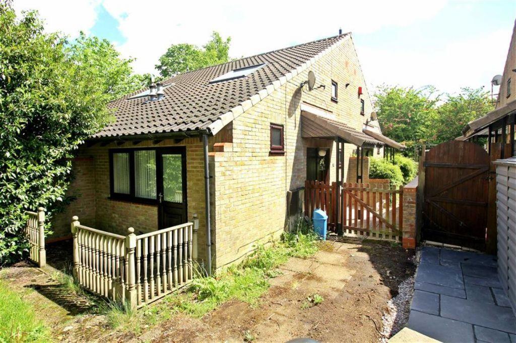 Cadman Square, Shenley Lodge, Milton Keynes, MK5