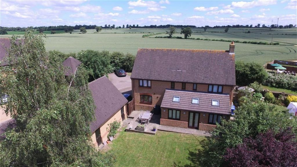 Bretts Lane, Roade, Northampton, NN7