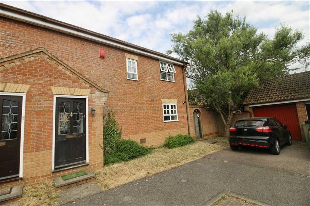 Kirkstall Place, Oldbrook, Milton Keynes, MK6