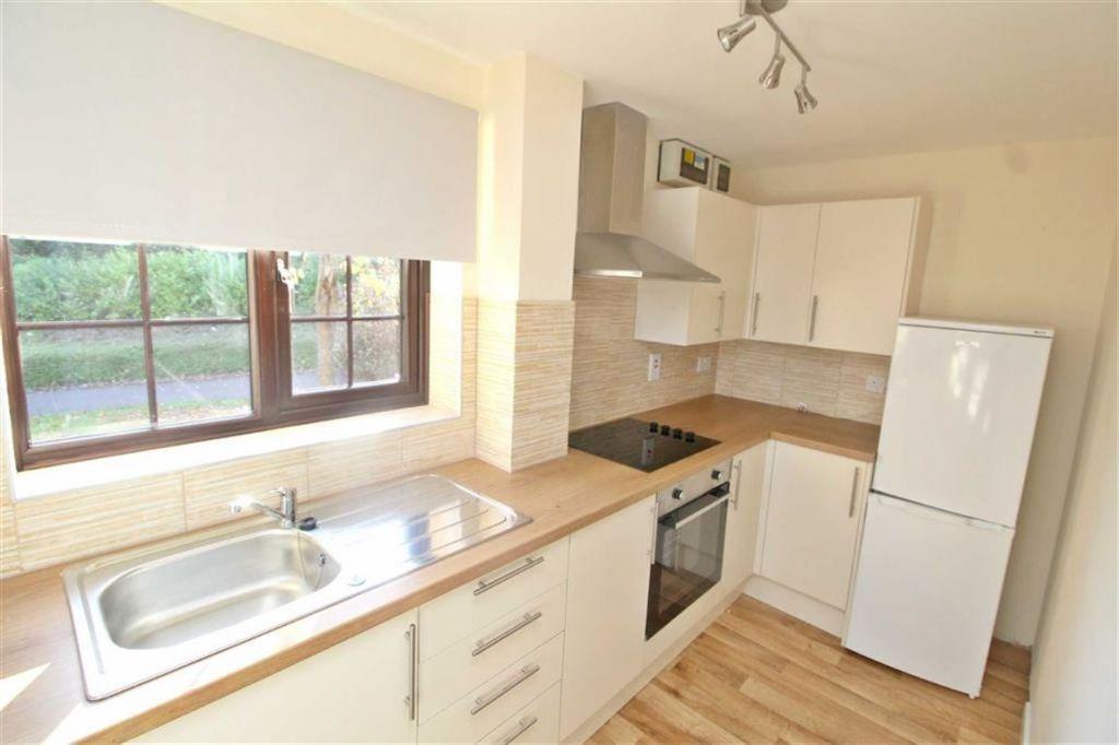 Rolvenden Grove, Kents Hill, Milton Keynes, Bucks, MK7