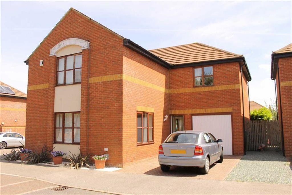 Winstanley Lane, Shenley Lodge, Milton Keynes, MK5