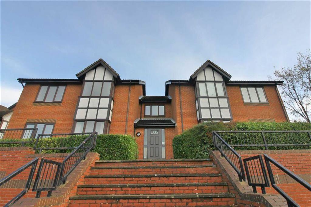 Birdlip Lane, Kents Hill, Milton Keynes, MK7