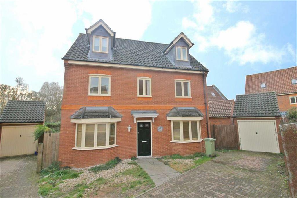 Foxley Place, Loughton, Milton Keynes, MK5