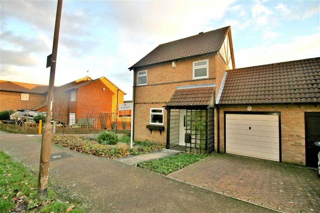 Chepstow Drive, Bletchley, Milton Keynes, MK3