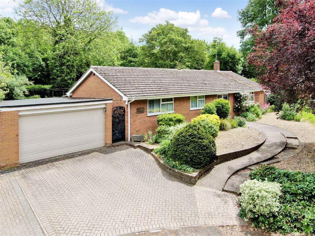 Vicarage Gardens, Bradwell Village, Milton Keynes, MK13